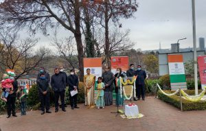 Indian Youth Fly Tricolour Flag at Johnsburg in South Africa-suratheadlines