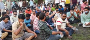 Massive Protest Against The Frequent Power Outages in Kalol-suratheadlines